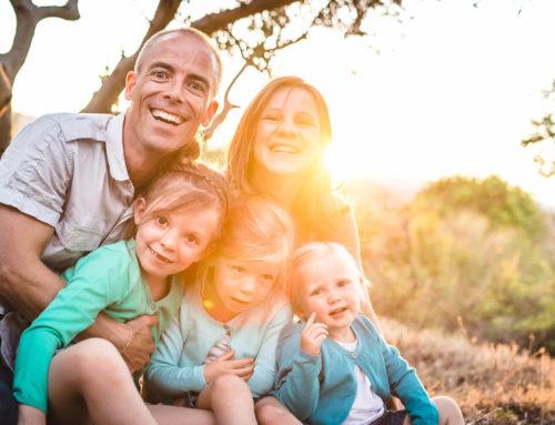 Une famille pétillante de joie à Caux