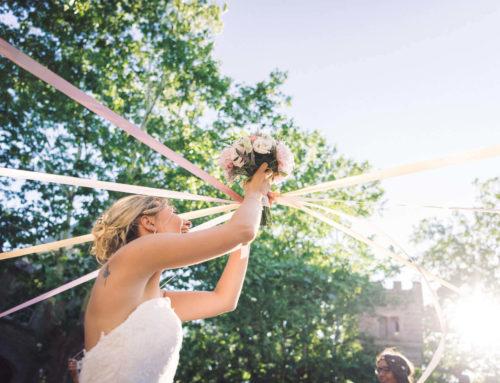 Idée originale pour lancer le bouquet – Les rubans à découper