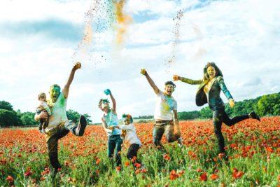 photographe famille poudre colorée holi studio graou