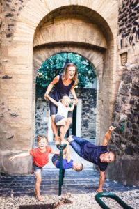 shooting photo famille original saint genies de fontedit studio graou