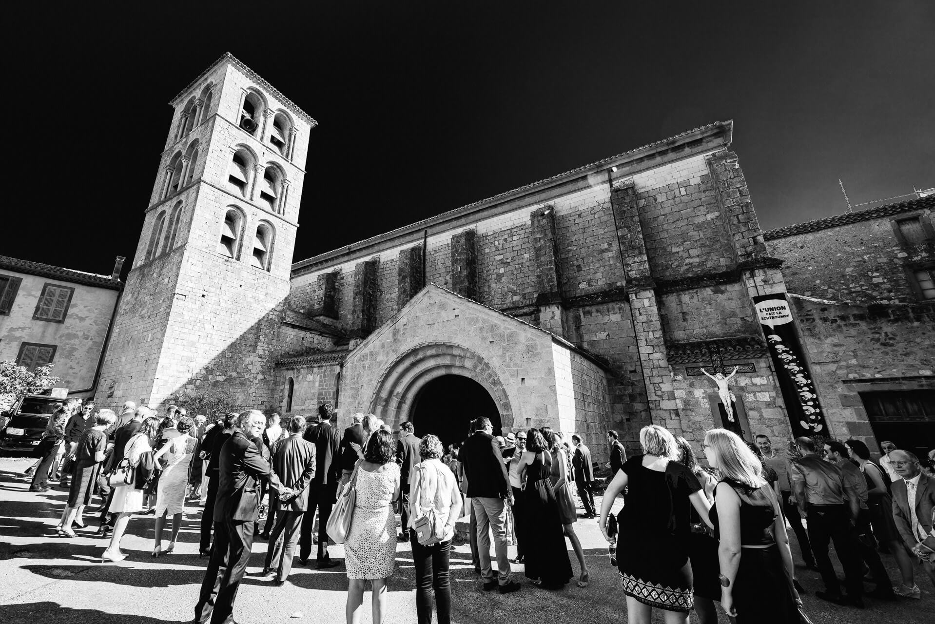 Photographe de mariage à l'Abbaye de Caunes Minervois - Studio Graou