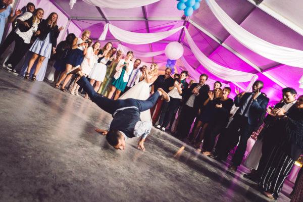 Breakdance pendant un mariage au Mas Guilhem - Studio Graou