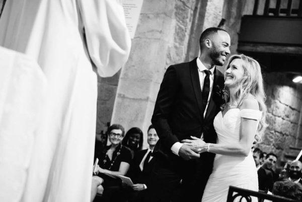 Cérémonie à l'église de Lignan sur Orb - Studio Graou photographe mariage