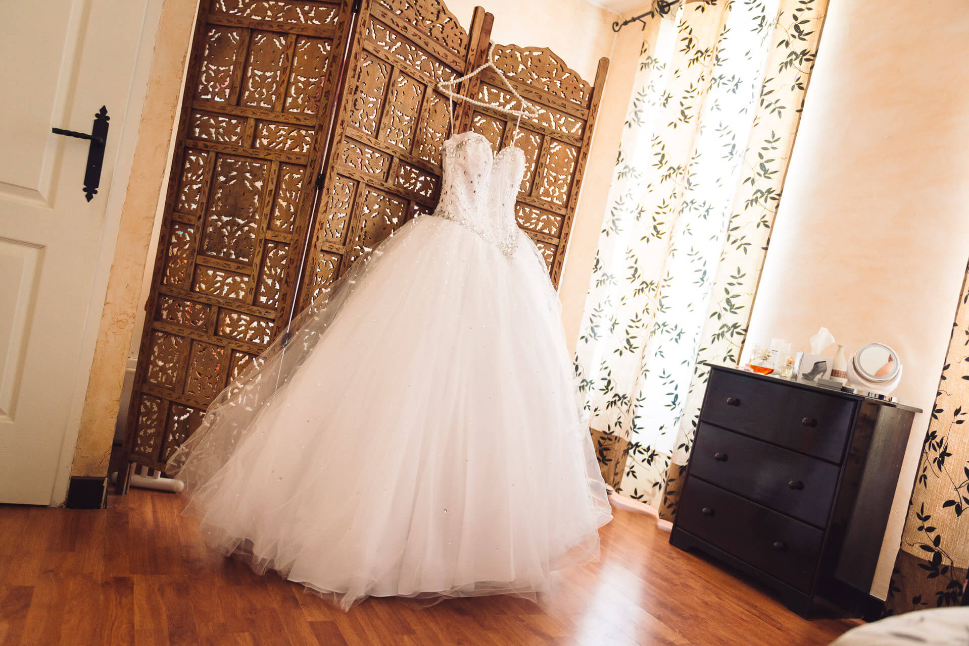 Robe de mariage blanche type bal - Studio Graou photographe mariage
