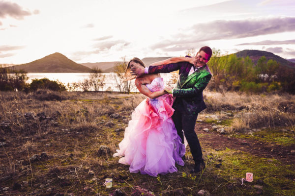 trash the dress poudre colorée holi studio graou salagou