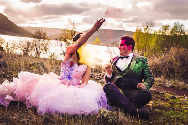 trash the dress poudre colorée holi studio graou cap d'agde