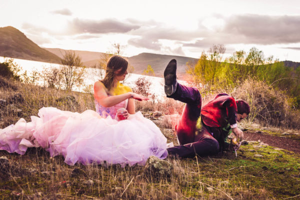 trash the dress poudre colorée holi studio graou beziers