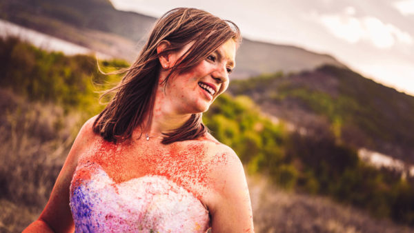 trash the dress poudre colorée holi studio graou provence