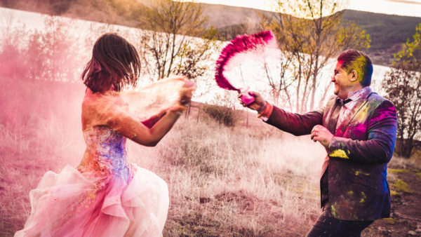 trash the dress poudre colorée holi studio graou sud france