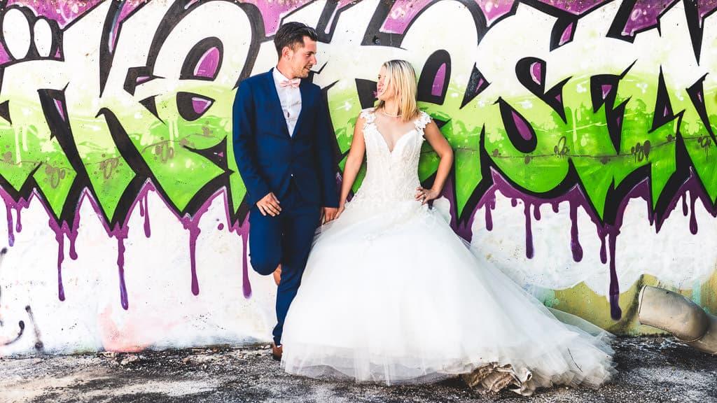 photographe de mariage à beziers pour une séance photo couple après mariage trash the dress en urbex